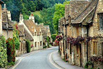 the beauty that is castle combe